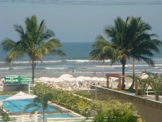 Lindos Apartamentos em Frente a Praia (so atravessar a rua)!