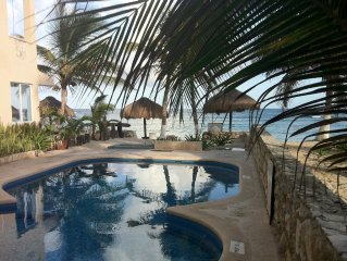 Ocean Front Condo, Steps to the Beach on Half Moon Bay - Akumal