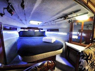 Sleep Overnight on Yacht in Miami. Amazing Experience. Internet, Parking, Beach.