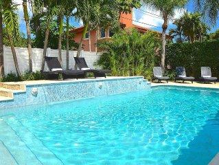 BTSVV'S Carina- Private beach gate steps away, private htd pool!