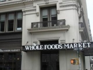 Organic food market within 5 mn walk