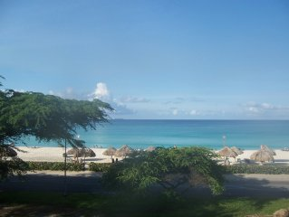 Oceania Luxurious oceanfront Two Bedroom Condo on Eagle Beach