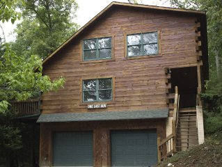 Beautiful Log Cabin - Great Location In Massanutten