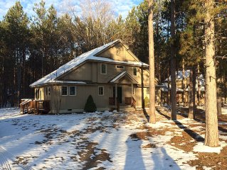 The Treehouse, Walking Distance To Crystal Ski/Golf!  Beautiful 2-3 Family Home.