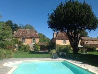 Périgord noir maison charme 4 pers tt confort parc piscine chauffée chiens admis