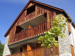 Loudenvielle-Appartement vue sur montagne 6 pers. neuf, tout confort.