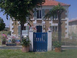 Belle maison charentaise avec jardin, 15 personnes, sur l'estuaire de la Gironde