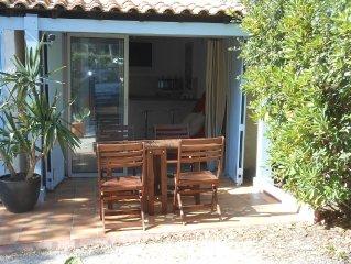 petite villa 2 pièces avec jardin, au calme et proche de la plage du brusc