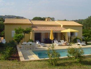 Villa avec piscine, grand jardin à 500 mètres de la plage.