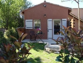 30 minutes from Avignon detached house in the quiet hill