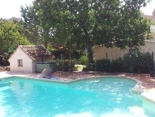 Spacieuse Villa avec piscine, en provence, 8 personnes
