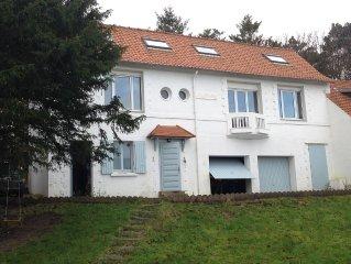 Belle maison familiale avec vue sur mer et grand jardin pour 10 personnes