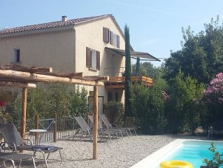 A charming cottage in a large house with pool at the foot of Mont Ventoux
