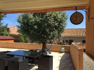 Villa tout confort avec piscine, aux abords d'Albas, village médiéval apprécié