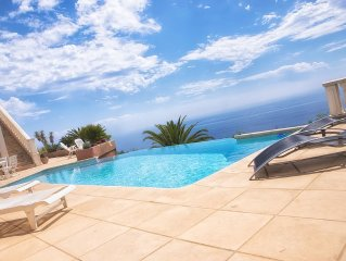 Luxury villa with sea view pool 8 people