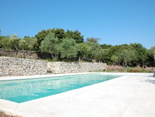ARCHITECT VILLA WITH POOL ON 5000M2 GARDEN NEAR THE BEACHES