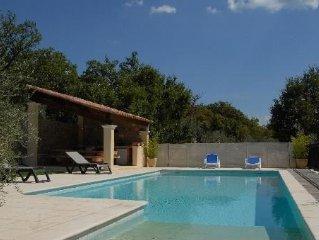 Villa avec piscine  au milieu des oliviers dans le canton de Fayence
