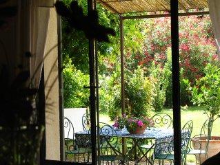 Maison de campagne à St Rémy de Pce  ''les Délices d'un pied à terre au soleil '