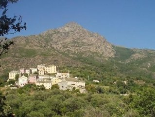 Appartement dans le Cap Corse à Ogliastro, village à 1,5km de la mer.