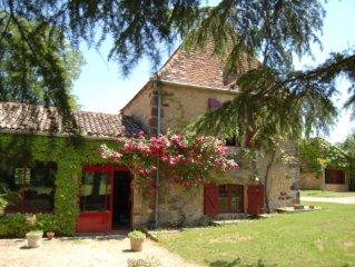 Maison de charme périgourdine du 17ème siècle son Pigeonnier sa Piscine à Urval