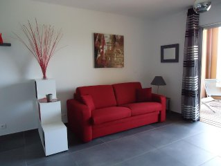 Studio charming 5 minutes walk from the harbor an