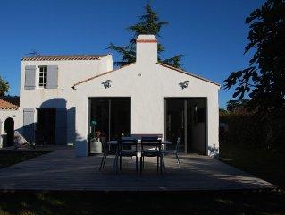 Jolie maison à l'orée du Bois de la Chaize - proche des plages et du tennis