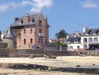 Comfortable villa, facing the Bay of Brignogan, 4 bedrooms, 8 people