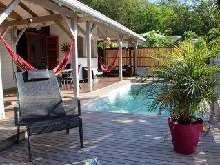 Charmante villa, tres belle vue mer avec sa piscine privee