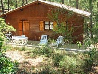 Maison-Chalet au calme dans pinède, pour 6 personnes, 2 chambres, tout équipé