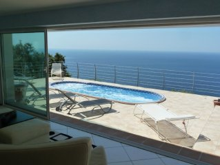 Le Coin de Paradis, luxury villa with sea view. Last minute offer