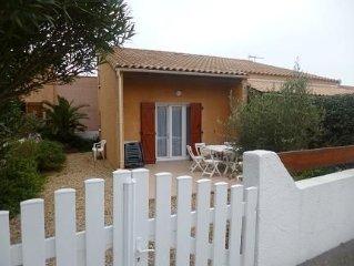 Villa tout confort, jardin, parking dans résidence calme à 800m plage