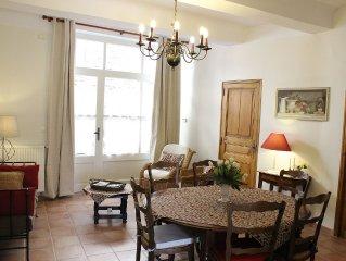 Maison de charme, 3 chambres au calme et au coeur du village dans le luberon