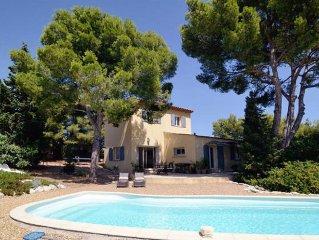 Villa avec piscine 1mn à pied de la mer  pour 7 pers