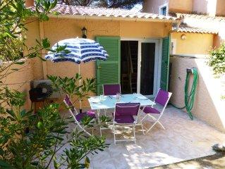 Maison avec jardin, en bord de mer, accès direct à la plage, 2 personnes