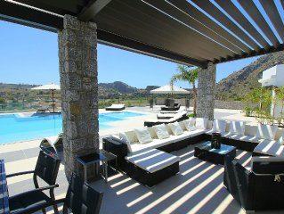 Villa Christalindos, heated pool 28 ° 120m, 5 rooms with private 5SDB