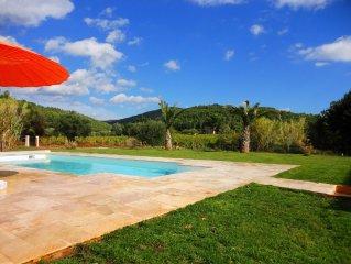 Tres belle propriete avec piscine  avec un panorama exceptionnel