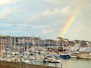 Appartement 2 Pieces Saint-Malo Intra-Muros avec vue degagee sur le port.