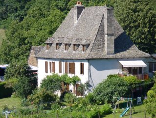 Location vacances dans une authentique ferme auvergnate, Auvergne Cantal