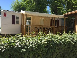 Rents mobile home for a dream holiday in camping 4 stars