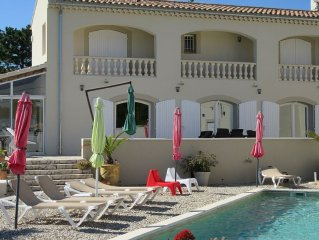 Belle maison avec piscine au pied  du mont ventoux