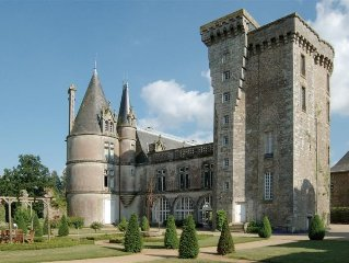 NEAR Puy du Fou in a park of 15 hectares, two his