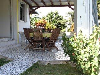 '' Le Zandoli''  T3 Bas de villa tres calme  a Ste Anne connexion Wi-fi