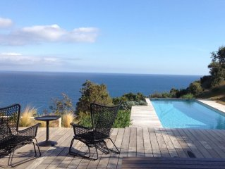 Face à la mer, villa climatisée 10 pers, 4 chambres, piscine chauffée, Accès mer