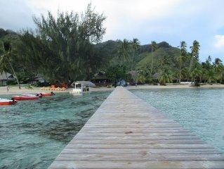 Beau bungalow equipe - 3 ch clim - Superbe plage a 40m par servitude privee