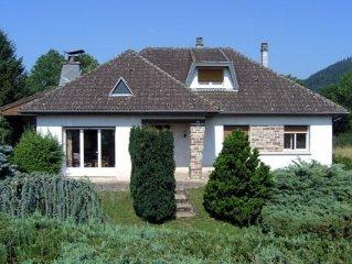 Villa *** spacieuse avec terrasse, jardin, Wifi, garage  proche St-Dié - Vosges