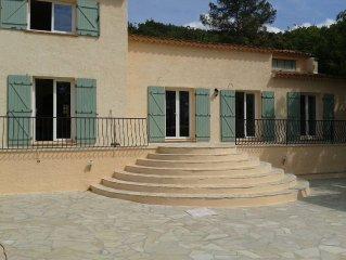 Grande maison très tranquille, située en fin de chemin privé, 5000 m² de jardin