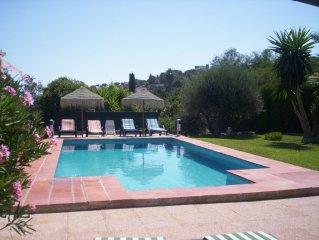 Villa 240m2, 12 pers. et 2 bébés, Air cond., WIFI, piscine et jardins privés
