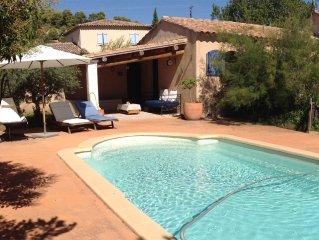 Maison au pied du Luberon, piscine privée, WIFI
