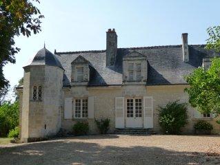 Manoir du XVIè siècle à  Azay le Rideau  - Au cœur  des châteaux de la Loire