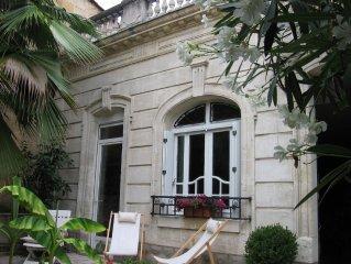 BORDEAUX: Maison charme  luxe 100m2 garage proximite tram commerces